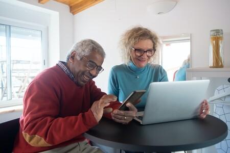 El 53,0% de los mayores de 50 años prevé formarse en habilidades digitales