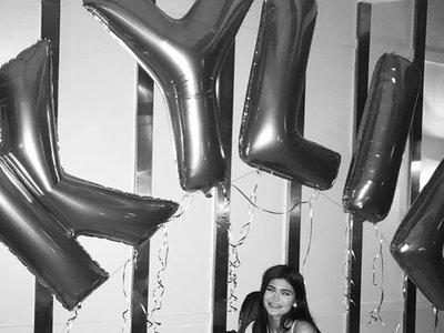 Kylie Jenner cumple 20 años y te contamos cómo fue el fiestón (spoiler: como el que nosotros querríamos tener)