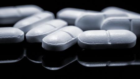 Altas dosis de ibuprofeno incrementan el riesgo cardiovascular