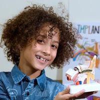 Fernando, el niño vallisoletano de ocho años que ha ideado un implante auditivo revolucionario