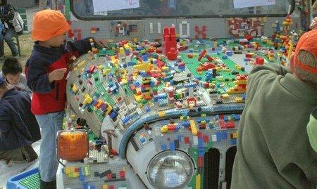 Viajar en coche con niños: juegos y actividades para ellos