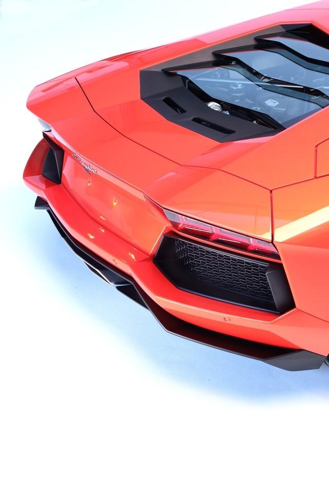 Foto de Lamborghini Aventador LP700-4 (60/62)