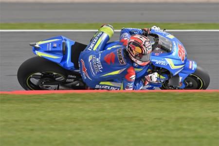 Maverick Viñales lleva a Suzuki al delirio en Silverstone, la tierra de Barry Sheene