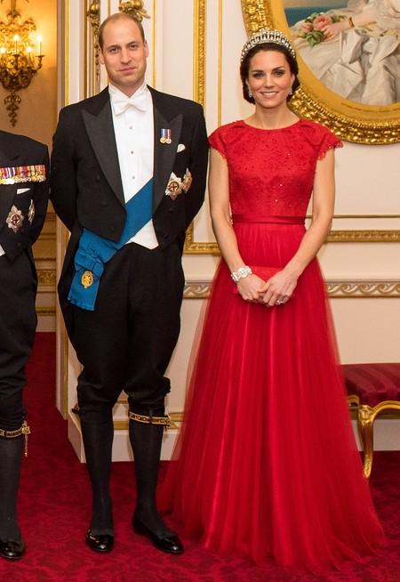Kate Middleton De Gala Con Un Vestido Rojo