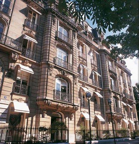 La Maison Ungaro no tendrá director creativo tras la renuncia de Giles Deacon