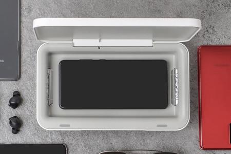 Samsung lanza una caja esterilizadora UV para móviles con soporte para carga inalámbrica