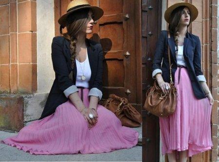 Rosa plisada Look de calle
