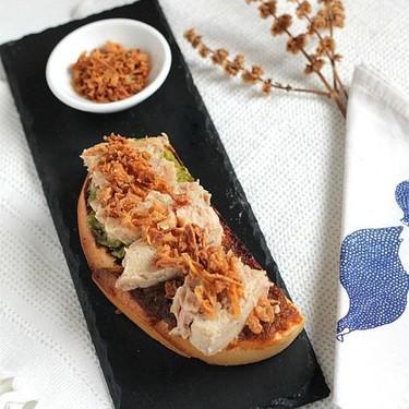 Tosta doble pesto con atún al natural ideal para el aperitivo