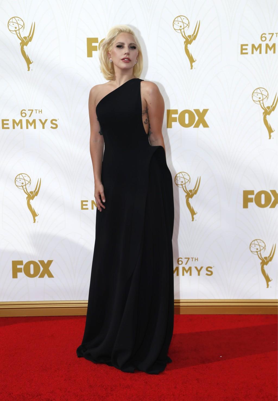 Las mejor vestidas de los Premios Emmys 2015 Emmy Drop Menko