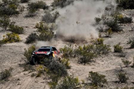 ¿Abandonará Carlos Sainz el Dakar 2016 tras su inoportuna avería?