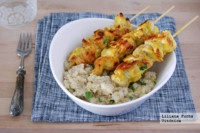 Pinchos de pollo al curry con quinoa. Receta saludable