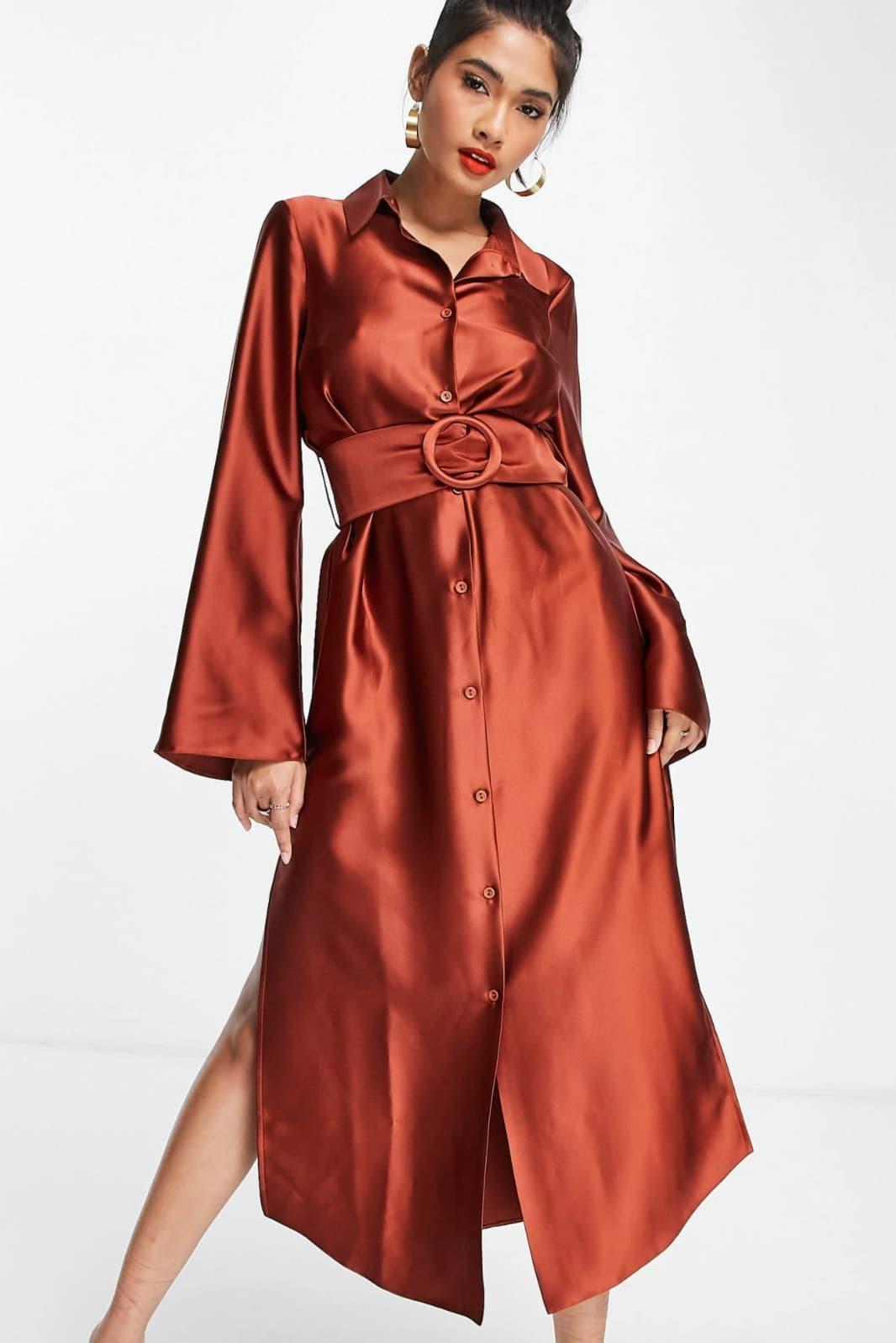 Vestido camisero midi color óxido con cinturón y manga ancha de satén de ASOS DESIGN