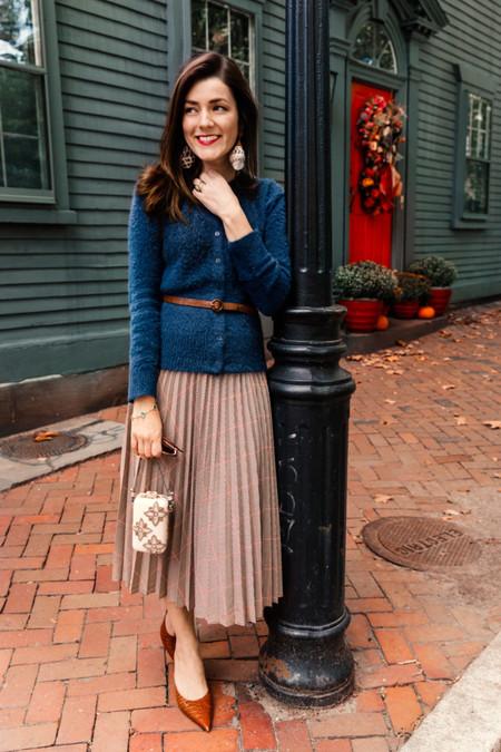 street style classic blue pantone