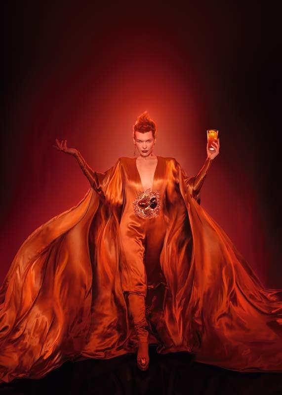 Foto de Milla Jovovich en el Calendario Campari (13/13)