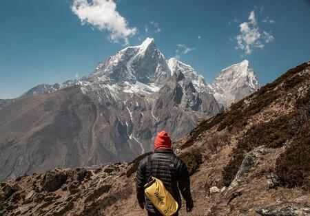 En plena pandemia, un equipo de científicos escaló el Everest para descubrir que la montaña más alta del mundo medía (un poco) más de lo que creíamos