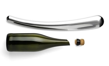 """El """"arma"""" de Karim Rashid para abrir las botellas de champán"""