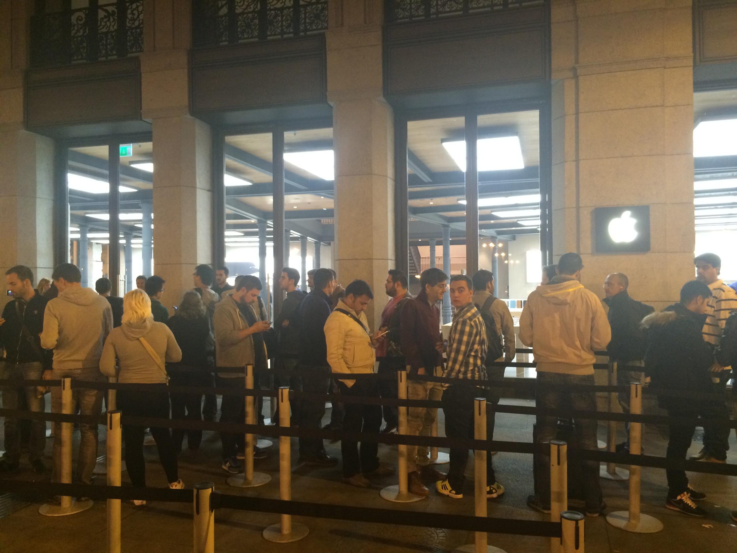 Foto de Lanzamiento iPhone 6 Puerta del Sol (1/10)