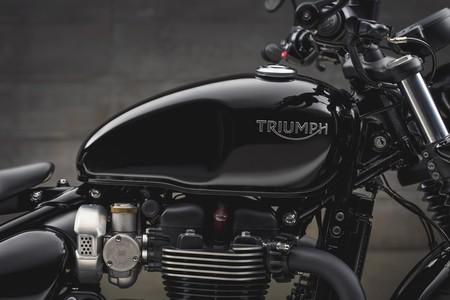 Triumph Bonneville Bobber Black 2018 009