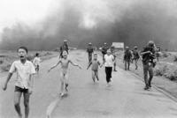 Así es la vida hoy de los protagonistas a su pesar de la icónica fotografía que ayudó a frenar la Guerra de Vietnam