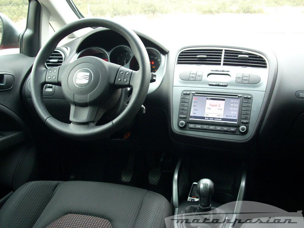 Foto de SEAT Altea XL contra Volkswagen Touran  (25/36)