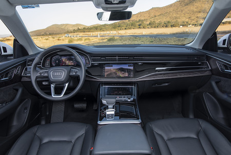 Audi Q8 14