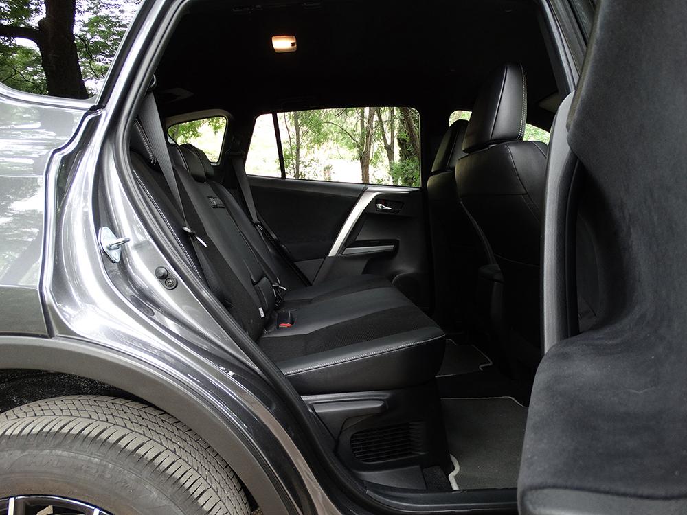 Foto de Prueba Toyota RAV4 hybrid: interiores coche (10/27)