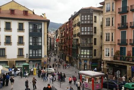 El Casco Viejo de Bilbao celebra el XVIII Mercado de Gangas con muy buenos precios