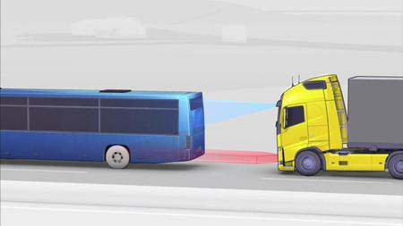 Volvo Trucks presenta su sistema de frenada de emergencia