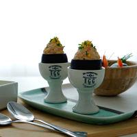 Aprende a preparar huevos negros rellenos (y deja a tus comensales con la boca abierta)