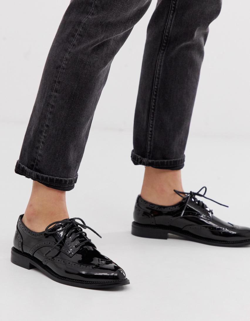 Zapatos planos de cordones en negro More de ASOS DESIGN