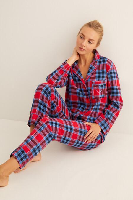 Women'secret ya ha comenzado sus segundas rebajas y tiene estos pijamas, sudaderas y batas tan ideales