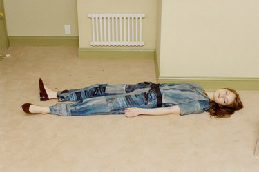 Las 19 poses incomprensibles que solo veríamos en una campaña de moda