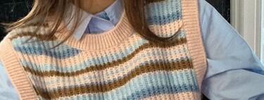 Los chalecos de punto siguen siendo los reyes: cinco modelos de rayas de nueva temporada para lucir una camisa debajo