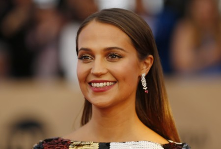 Alicia Vikander brilla en los SAG Awards 2016