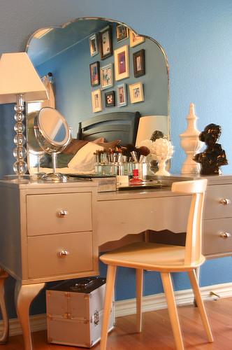 Foto de Antes y después: dormitorio inspirado en Carrie Bradshaw (4/5)
