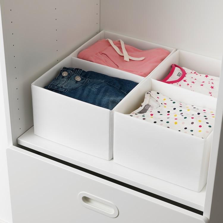 Caja con compartimentos en blanco