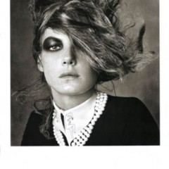 Foto 5 de 5 de la galería las-modelos-mas-codiciadas-posando-para-vogue-italia-con-un-look-muy-retro en Poprosa