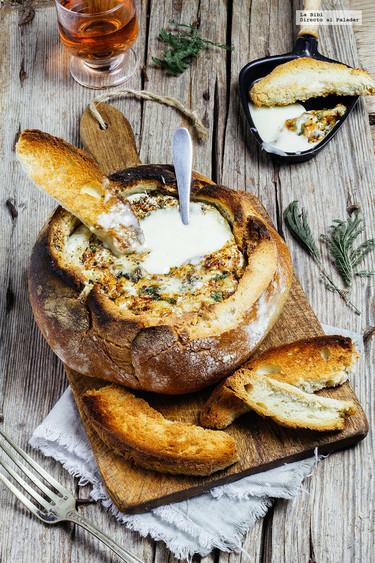 Pan relleno de queso camembert fundido. Receta