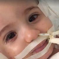 Una bebé despierta del coma después de que sus padres se negaran a desconectarla