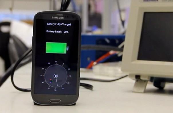 Una empresa israelí es capaz de cargar un móvil en 30 segundos