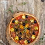 Tarta de tomates y anchoas. Receta para una cena de verano
