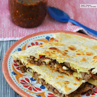 Quesadillas estilo Philly cheesesteak