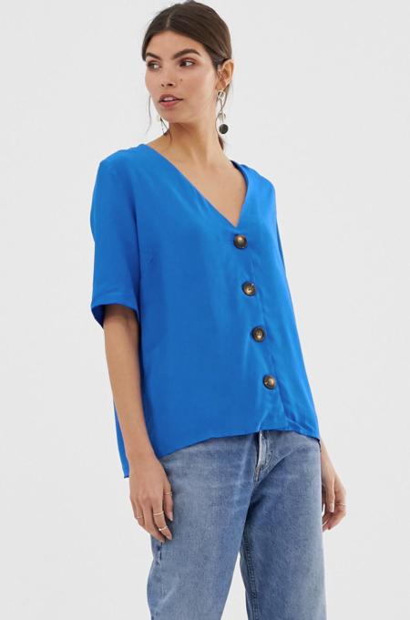 Blusa extragrande con cierre de botones de Y.A.S