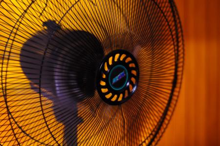 Los riesgos de dormir con el aire acondicionado encendido