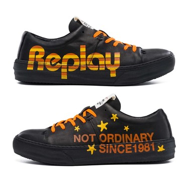 REPLAY rebusca en los archivos de los noventas para su nueva colección de sneakers con diseños urbanos