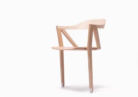 two-legged-inactivite-chair-benoit-malta-2.jpg