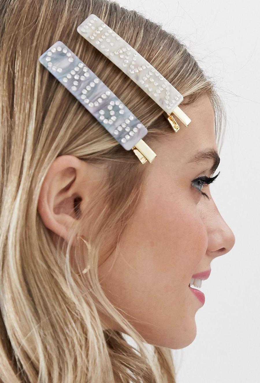 Horquillas para el pelo de clip con adorno de pedrería llamativa y resina preciosa de Glamorous
