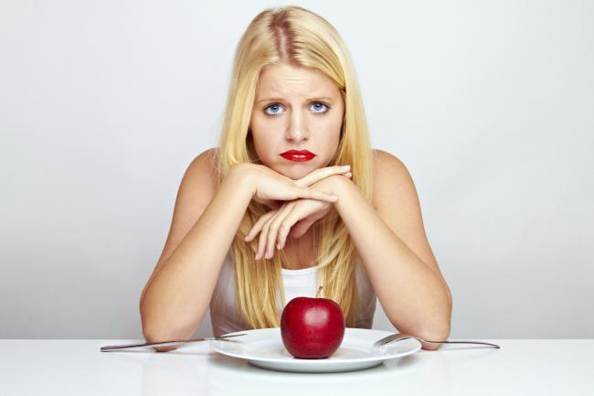 ¿comer muy pocas calorías detiene la pérdida de peso?