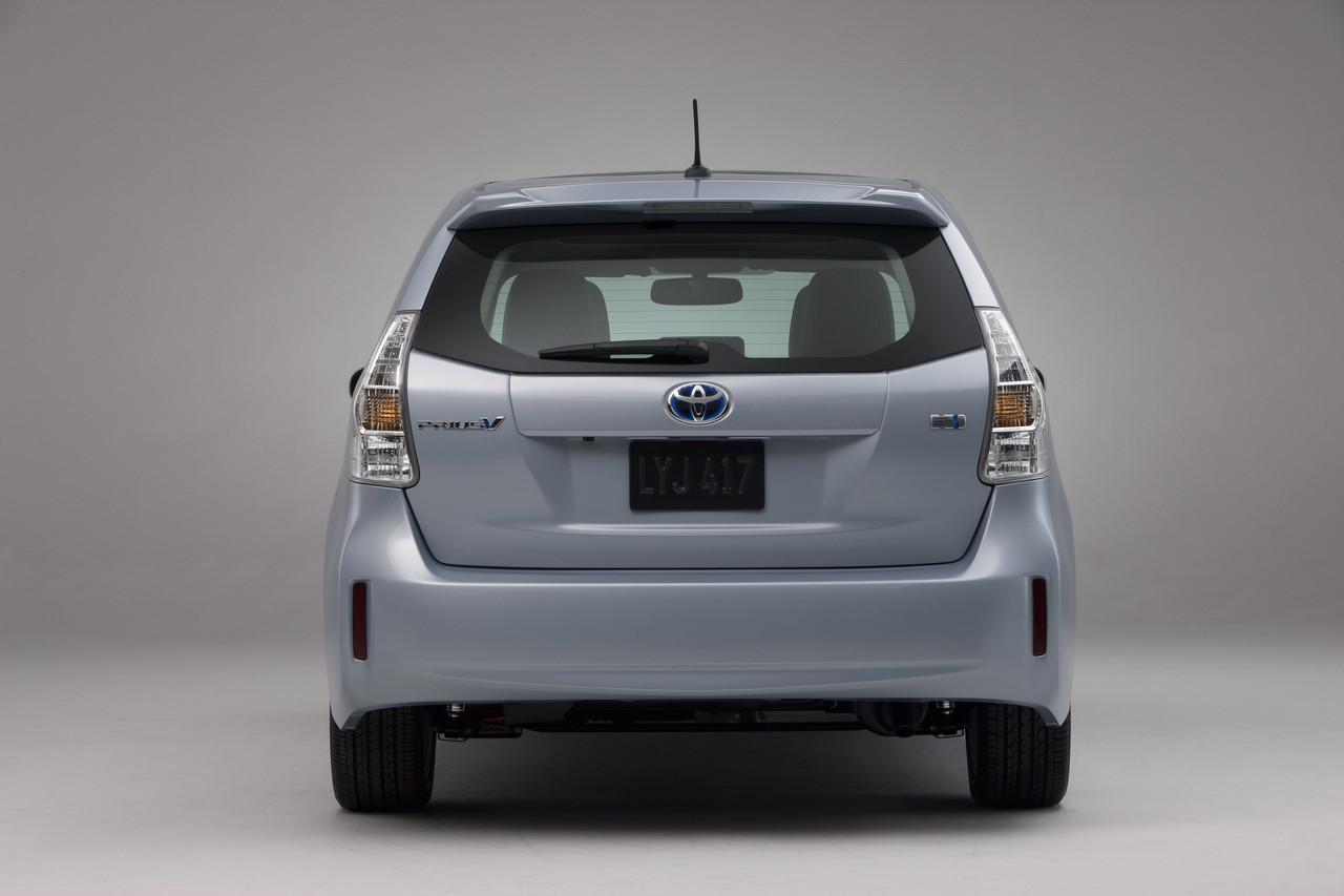 Foto de 2011 Toyota Prius v (15/77)