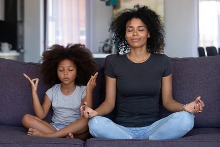 Mindfulness para niños: qué es, qué beneficios tiene y cómo enseñárselo a los niños desde bebés